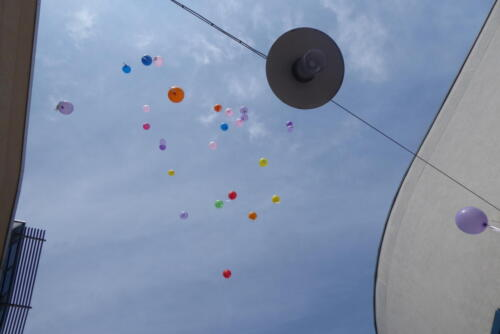 Luftballonaktion am 17. Mai