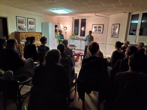 """""""Seit dieser Nacht war ich wie verzaubert... - Frauenliebende Frauen über siebzig erzählen"""" - Lesung und Gespräch mit der Autorin Corinne Rufli"""
